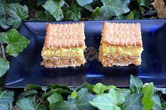 Prajitura fara coacere cu mere, biscuiti si budinca Krispie Treats, Rice Krispies, Bread, Fish, Cooking, Desserts, Recipes, Food, Dessert