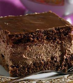 Çikolatalı Yılbaşı Nefis Pasta Tarifi Delicious Cake Recipes, Easy Cake Recipes, Yummy Cakes, Snack Recipes, Dessert Recipes, Pasta Cake, Sweet Cakes, Ice Cream Recipes, No Cook Meals