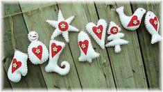 Dadyart / Vianoce v Karkulkinej chalúpke Christmas Ornaments, Holiday Decor, Christmas Ideas, Home Decor, Xmas, Noel, Christmas, Xmas Ornaments, Homemade Home Decor
