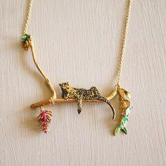 Den vilande leoparden - #Guldpläterat #halsband i #silver
