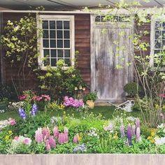 ちなみに「ターシャの庭」を忠実に再現した展示会が時折開催されています。ぜひ、訪れたいですね。 写真は「ターシャ・テューダー展」での1カット。