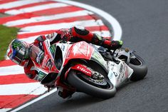 Josh Brookes Closes on Lap Record as 19 Riders Covered By Less Than a Second - http://superbike-news.co.uk/Motorcycle-News/josh-brookes-closes-on-lap-record-as-19-riders-covered-by-less-than-a-second/