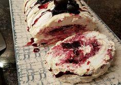 Pavlova, Macarons, Tiramisu, Camembert Cheese, Mousse, Panna Cotta, Cheesecake, Food And Drink, Fish