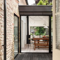 Kirkwood McCarthy adds zinc-clad garden wing to north London house (Dezeen) Zinc Cladding, House Cladding, Glass Extension, House Extension Design, Extension Ideas, London Architecture, Residential Architecture, Porches, Side Return Extension