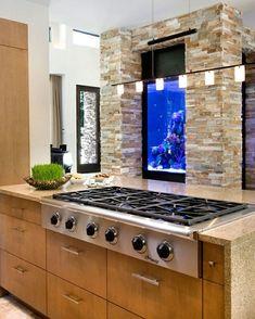 Küche Steinwand Aquarium Holz Theke Beleuchtung