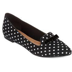 Restricted Next Week Polka Dot Flats ($40) ❤ liked on Polyvore featuring shoes, flats, slip on flats, flat shoes, flat pumps, polka dot flat shoes and pull on shoes