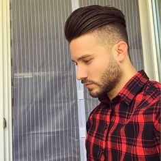 Check out ✔ and choose your hairstyle By: ✂ - Buhnenbild Combover Hairstyles, Mens Hairstyles With Beard, Hair And Beard Styles, Cool Hairstyles, Short Hair Styles, Back Hair Shaver, Comb Over Fade, Comb Over Haircut, Undercut Men