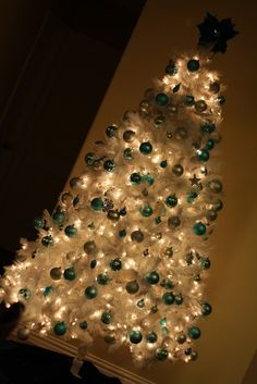 Christmas tree!!! Bebe'!!! Traditional Blue all one color ornaments!!! Vintage like in the sixties when silver aluminum trees were used with color wheels and single color ornaments!!!