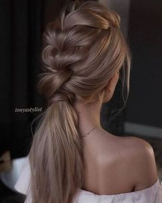 Top 20 Long Wedding Hairstyles and Updos for 2019 Tonyastylist long wedding hairstyles and updos Gorgeous Ponytail Hairstyle Ideas That Will Leave You in FAB ponytail hairstyles 6 Latest Party Hairstyles Along With Styling Tips – Page 3 – Viraldaan Pl Graduation Hairstyles, Wedding Hairstyles For Long Hair, Straight Hairstyles, Hair Wedding, Layered Hairstyles, Wedding Nails, Prom Hair, Wedding Makeup, Wedding Ponytail
