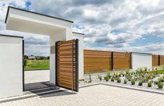 Aluminum Horizon Wood fence by Xcel. Fence Wall Design, Modern Fence Design, Privacy Fence Designs, Driveway Design, Home Entrance Decor, Modern Entrance, Garden Entrance, House Entrance, 3 Storey House Design