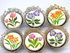 Palinebakesthecake! Handpainted flowers