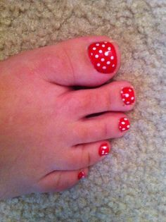 Tori and I are going to have Minnie Mouse Pedicures for Summer :0)  Aunt Becca is doing them!