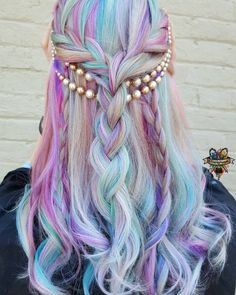 Unicorn hair, I think from Le Coloriste--I am SO doing this one day. I love getting old--the silver coming in lets me get away with pastels, finally!