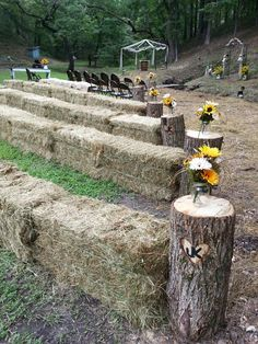 Hay bale seating-- Terrific idea for a farm themed pop-up restaurant. Popup Republic