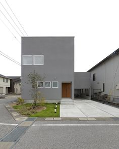 House [A house with a balcony on the floor] Home Building Design, My Home Design, Tiny House Design, Building A House, Space Architecture, Contemporary Architecture, Modern Townhouse, Simple House Plans, House Landscape