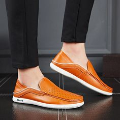 low cost fc305 aa910 Men Hole Leather Breathable Slip Resistant Casual Driving Loafers