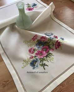 1 million+ Stunning Free Images to Use Anywhere Butterfly Cross Stitch, Cross Stitch Rose, Cross Stitch Flowers, Cross Stitch Embroidery, Hand Embroidery, Machine Embroidery, Cross Stitch Designs, Cross Stitch Patterns, Diy And Crafts