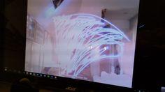 Tijdens het TeacherMakerCamp van half oktober liet Per IvarKloenhoe je heel eenvoudig met een LED-lampje en een knijper en via de website GlowDoodle kunt grafity kunt tekenen met licht. Het zag er heel leuk uit. Dus thuis gekomen heb ik het direct uitgeprobeerd en het is prachtige eenvoudige activiteit om te doen met een hele …