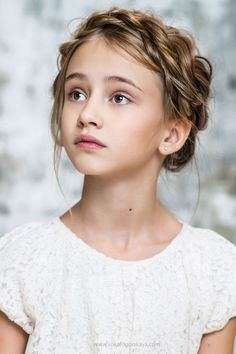 Inspiration for Margaret Mead at Mansion (character inspiration, story inspiration, novel inspiration) Flower Girl Hairstyles, Braided Hairstyles, Wedding Hairstyles, Writing Characters, Girls Characters, 3 4 Face, Female Character Inspiration, Kid Character, Inspiration For Kids