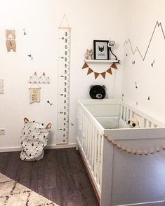 Neutral baby room nursery to love