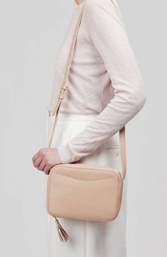 Mini tassel bag in blush leather Everyday Bag, Everyday Fashion, Beige Purses, Leather Pouch, Look Fashion, Fashion Wear, Italian Leather, Pebbled Leather, Bag Accessories