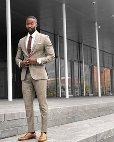 40 Lovely Work Outfit Ideas For Men To Try is part of Mens fashion suits - The traditional man's suit is a great choice of outfit for men It's practical, looks good and is easy to […] Blazer Jeans, Mens Fashion Suits, Mens Suits, Style Costume Homme, Beige Suits, Mode Costume, Stylish Mens Outfits, Instagram Outfits, Blazers For Men