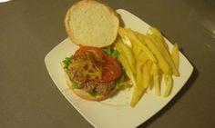 Hamburguesa con solomillo de ternera picado a cuchillo... Nada que ver con la carne picada del súper