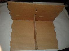 Recientemente en otros blogs pude encontrar imágenes de un organizador de escritorio de cartón en particular que me gustó mucho, sin embar...