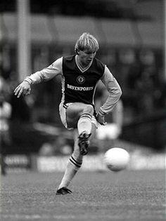 Gary Shaw Aston Villa 1982
