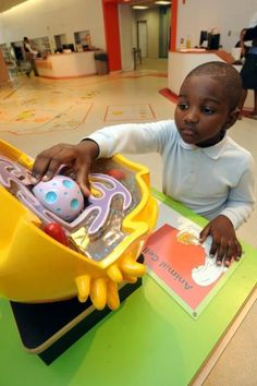 Engineer gives Queens library $50,000 in hopes more kids will study STEM
