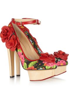 Charlotte Olympia Flora Printed Crepe Covered Leather Pumps in Floral (multicolored) | Lyst
