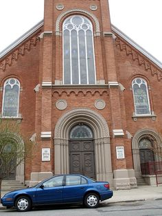 Peter and Paul Catholic Church, Toledo, Ohio.this was literally 2 blocks from my grandfather's home on Broadway in South Toledo! Catholic Churches, Old Churches, Places To Travel, Places To Go, Toledo Ohio, Altars, Staycation, Entrance, Broadway