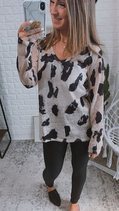 Let's Try Again Animal Print Blouse, Free Shipping! #cute #love #look #trend #WwwLalasheboutiqueCom #shopping #todayimwearing #longhair #BESTSELLERS #fashioneditorial Lets Try, Animal Print Blouse, Daily Look, Sophisticated Style, Printed Blouse, Alternative Fashion, Cute Tops, Fashion Addict, Casual Looks