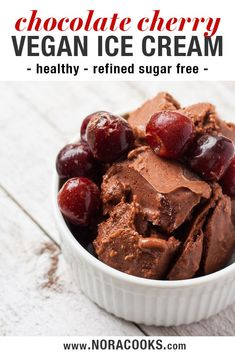 This Chocolate Cherry Ice Cream is dairy free fruit sweetened and totally low fat! Finally ice cream you can feel good about eating. Chocolate Almond Milk, Chocolate Cherry, Healthy Chocolate, Vegan Treats, Vegan Foods, Vegan Snacks, Dairy Free Ice Cream, Vegan Ice Cream, Vegan Dessert Recipes