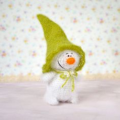 Cute Snowman  Hand-knitted toy Amigurumi Miniature by MiracleStore