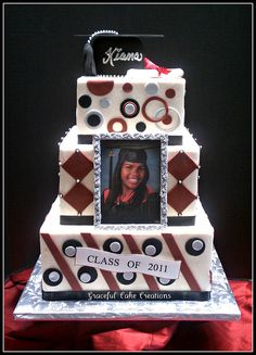 3 Step Graduation Cake - 3 step 2 layer 12 cake with gumpa College Graduation Cakes, Graduation Party Foods, Graduation Open Houses, Graduation 2016, Graduation Celebration, Graduation Party Decor, Grad Parties, Graduation Gifts, Graduation Ideas