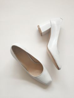 e3790f8b1bf Classic pump in smooth leather with a slightly squared toe and 2 5 8
