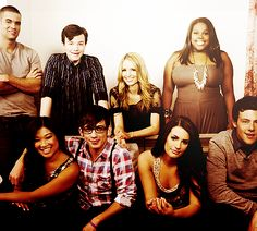 the entire cast of glee