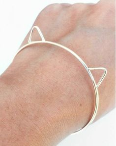 Carli Cat Bangle - Now I need a cats + accessories board...