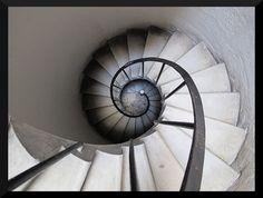 muufi • Escalera de caracollllll by pkortina on Flickr.