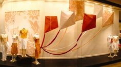 3D tyvek kites and backdrops for Banana Republic's window display by ANTLRE INC.