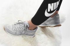 Nike - WMNS Internationalist (grau) - 828407-018