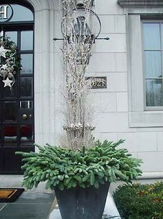 Design 101 - Holiday Decorating with EmptyPlanters - Home Infatuation Blog - Dream Design Live Luxury Outdoor Living