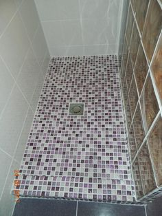 baie in curs de renovare (cabina dus construita,mozaic,caramizi sticla) – amenajare BAIE,BUCATARIE,amenajari interioare PLOIESTI