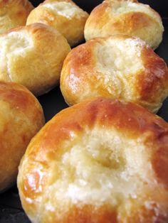 "Finnish Butter Eye Buns ""voisilmäpulla"" Finland Food, Nordic Diet, Nordic Recipe, Finnish Recipes, Norwegian Food, Scandinavian Food, Bread And Pastries, Perfect Food, International Recipes"