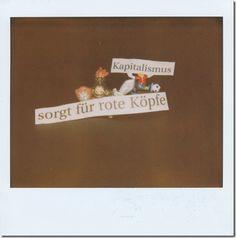 KlassenKampf – Am WEF in Davos    Kamera: Polaroid Macro 5 – SLR - 1200   Film: Polaroid Type 1200 image – Softtone