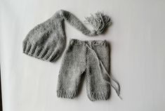 Newborn pants long elf hat set in 50 colors, newborn boy girl pants hat set, newborn photo prop, newborn boy photo outfit, newborn props Monogram Hats, Newborn Gifts, Boy Newborn, Boy Photos, Newborn Photo Props, Baby Online, Newborn Pictures, Baby Hats, Outfit