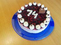 Topfentorte mit Waldbeeren - lacky-bakings Webseite! Birthday Cake, Baking, Desserts, Food, Fruit Juice, Dairy, Cake Ideas, Dessert Ideas, Website