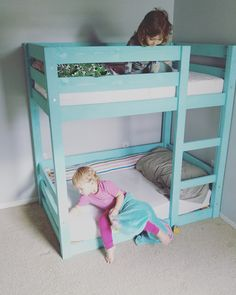 My Little Deers Mini toddler bunk beds Ana whites bunk bed modified to fit a toddler mattress Toddler Bunk Beds, Bunk Beds Boys, Bunk Bed Plans, Bunk Beds With Stairs, Cool Bunk Beds, Bed For Girls Room, Boy Room, Kids Bedroom, Bedroom Ideas