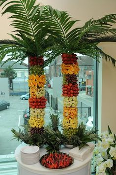 Hosting a brunch event at your conference? Why not create some island adventure with these quirky fruit trees? A fun way to serve fruit at an event, allowing guests to help themselves! L'art Du Fruit, Deco Fruit, Fruit Art, Fresh Fruit, Fruit Salad, Fruit Tables, Fruit Buffet, Fruit Platters, Party Deco